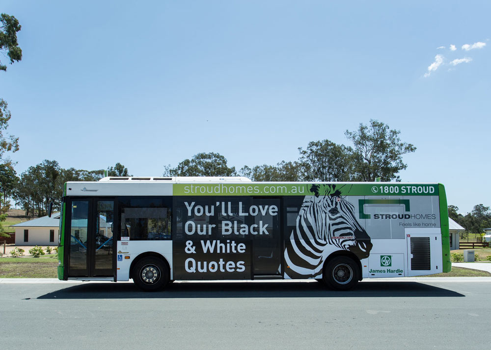 Black_&_White_Bus