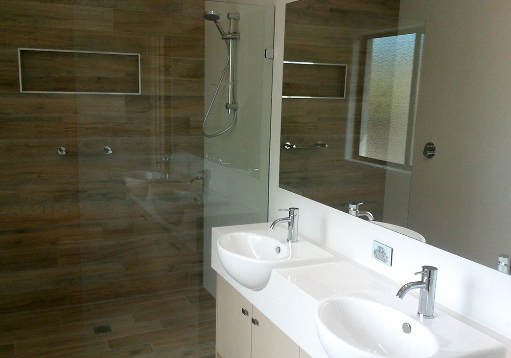 Handover-Vermilion-312-Bathroom1
