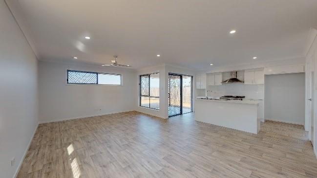 Stroud-Homes-Brisbane-South-Acreage-Vinyl-Sheet-Flooring-1