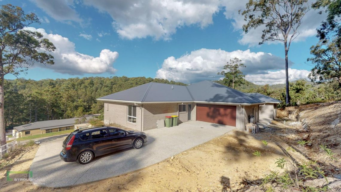 Stroud Homes Gold Coast North Acreage Sloped Block New Home Build-28