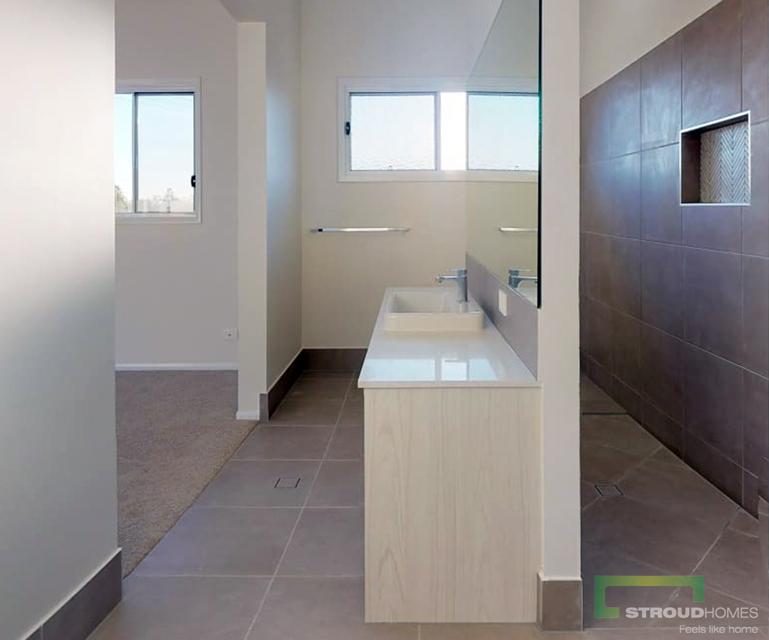 Stroud-Homes-Gold-Coast-North-Happy-Handover-Modified-Kentucky-348-Acreage-Design-5