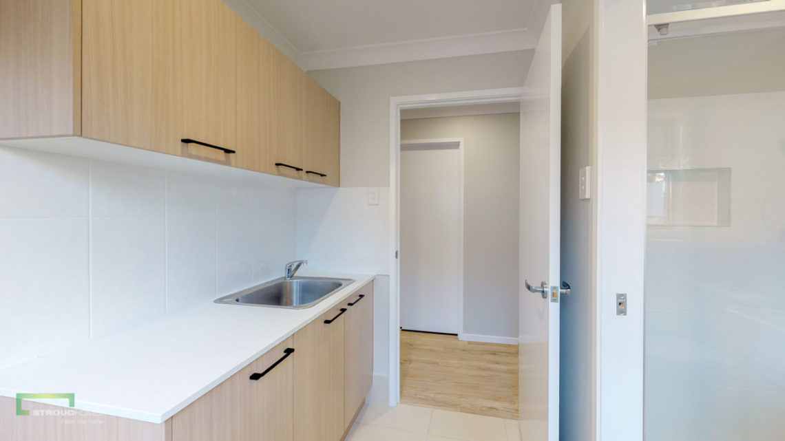 Stroud Homes Gold Coast South Benowa Sloped Block New Home Build-88