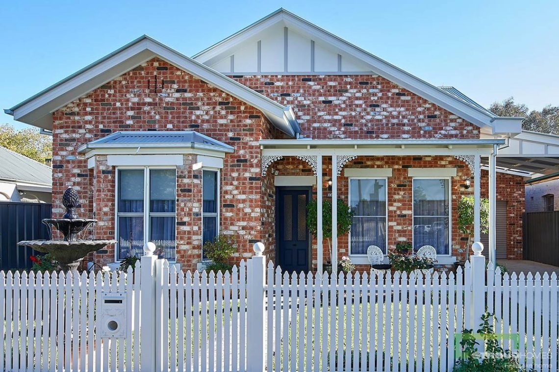 Stroud-Homes-Wagga-Wagga-Completed-Home-Custom-Build-Heritage-Facade-August-2019