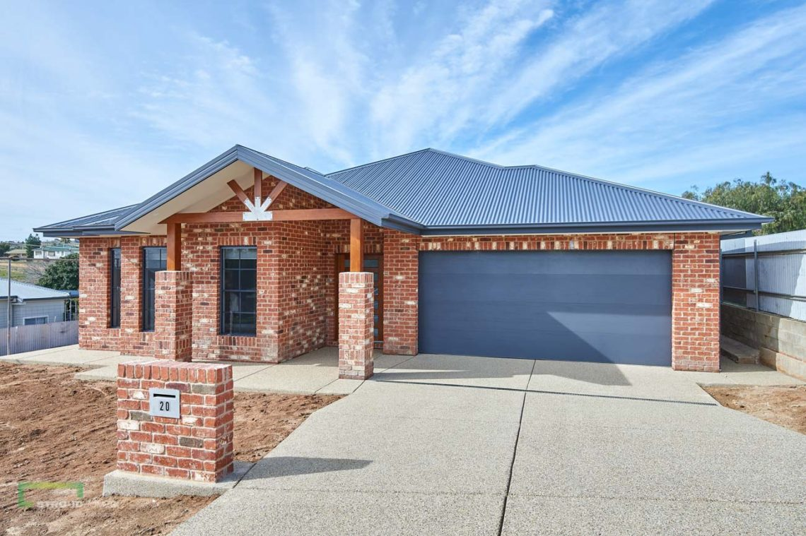 Stroud Homes Wagga Wagga Modified Bellmere 268 - Mountain Facade