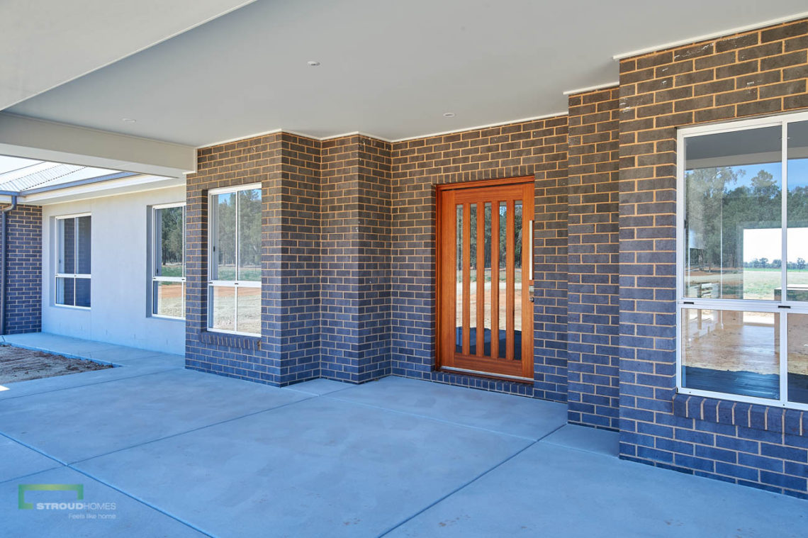 Stroud Homes Wagga Wagga Modified Hudson 278 - Portico Facade - Coolamon-4